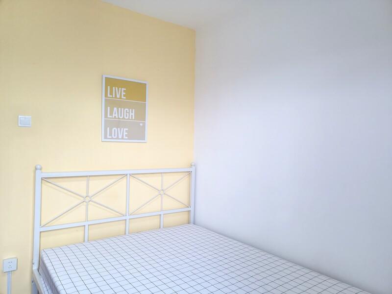 酒仙桥东润枫景三期合租房源卧室图