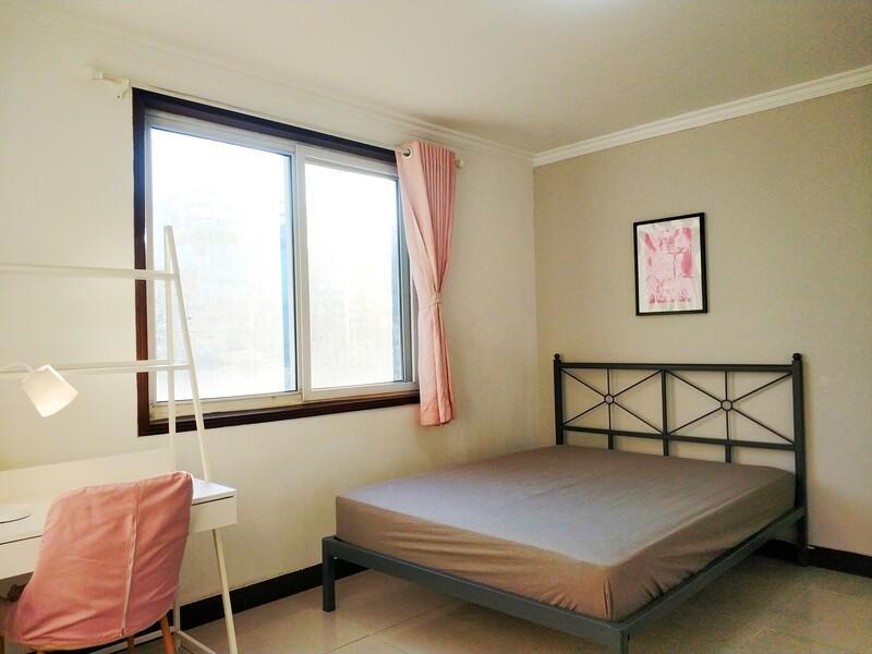 苹果园金顶街五区合租房源卧室图