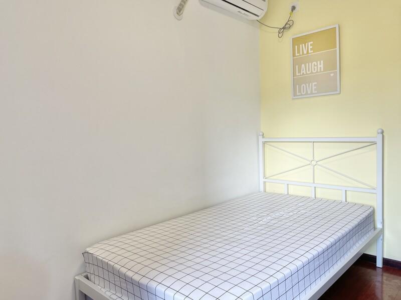 武夷花园月季园合租房源卧室图