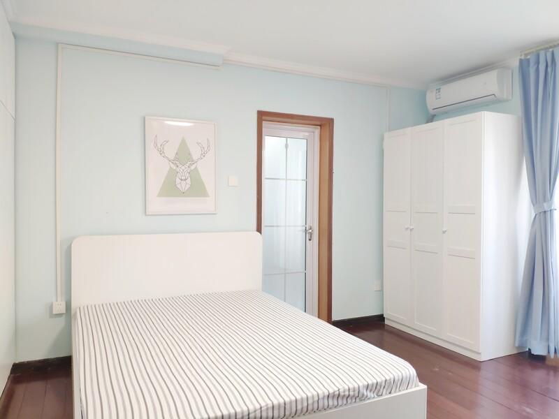 六里桥橙色年代整租房源卧室图
