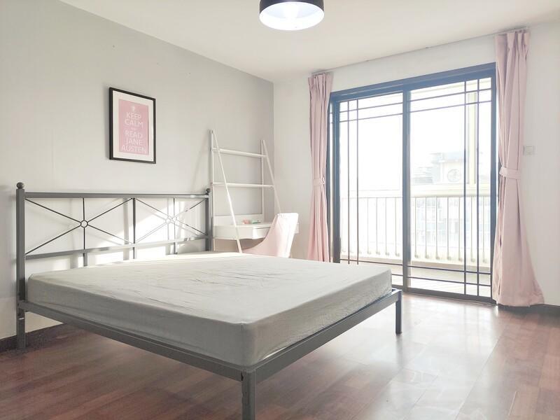 马家堡瑞丽江畔合租房源卧室图